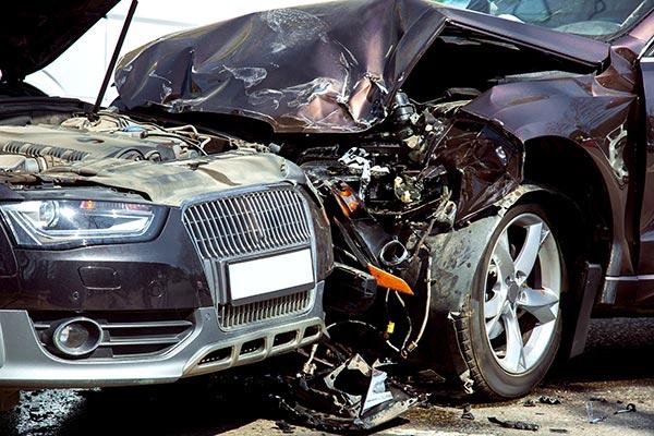 abogado de accidentes de colisión frontal de chicago