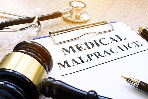 documento negligencia médica en Inglés