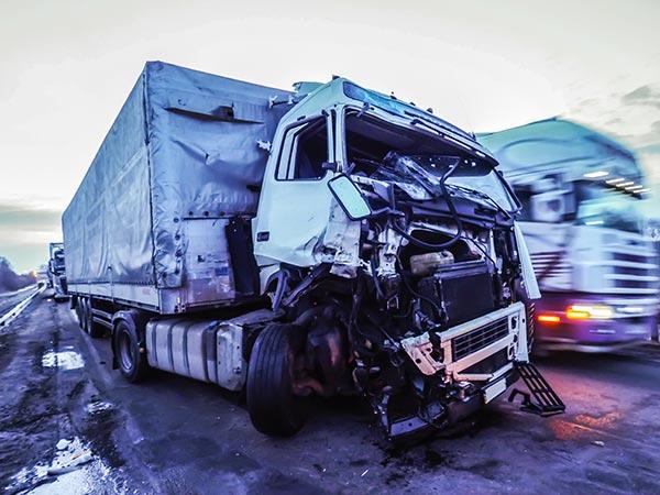 accidente de camión severo en Chicago